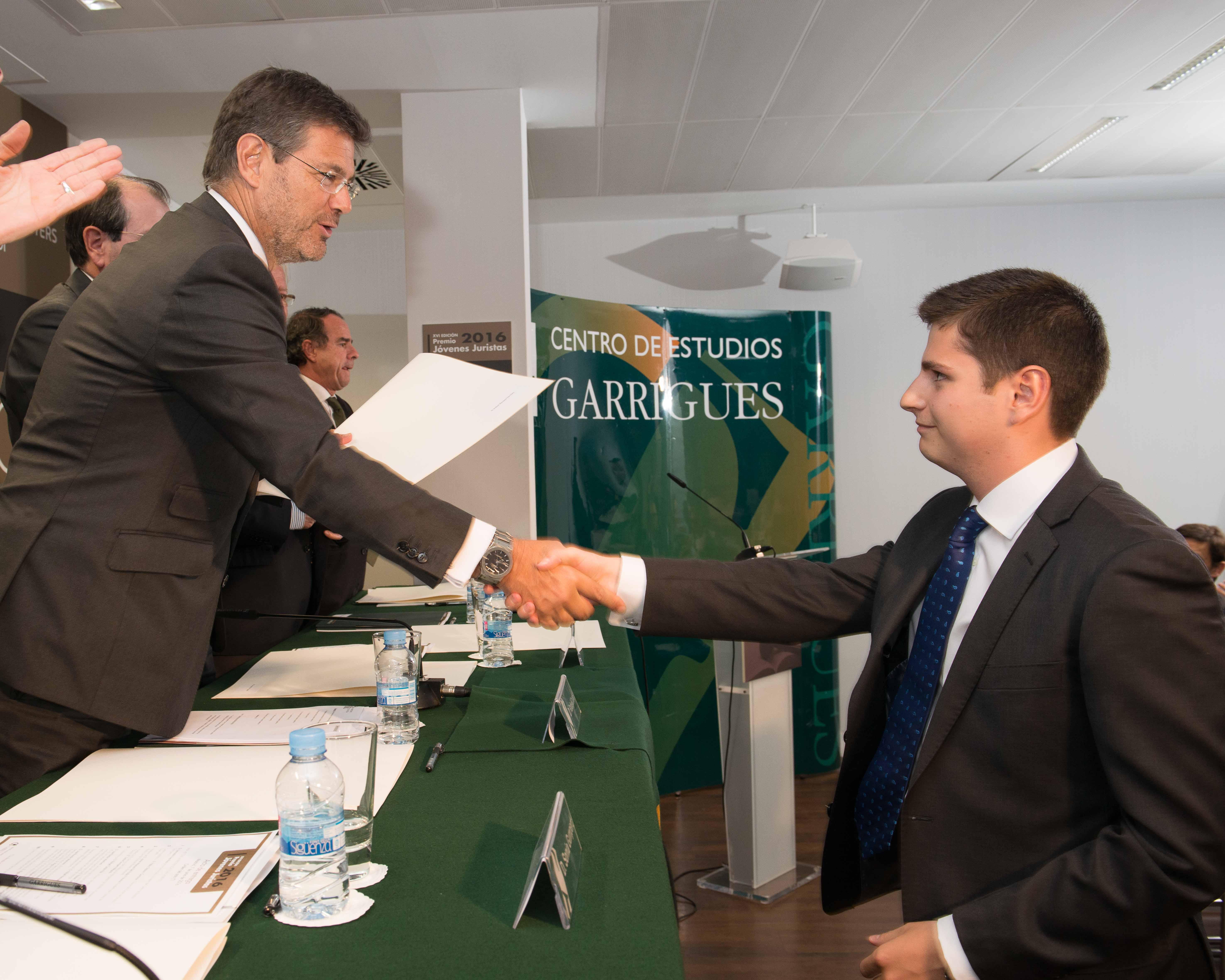 Rafael Hernáez, Ganador Premio Jóvenes Juristas 2016